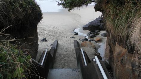 Tillicum Beach Stairway - north end - November 2011