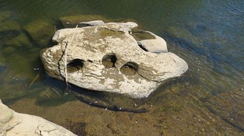 rock-holes-4